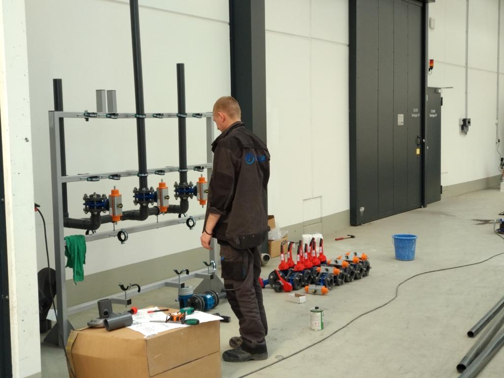 Инсталляция насосных станций и распределительных узлов ЮТЕХ 418